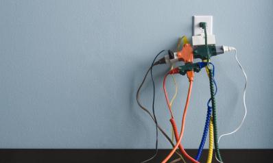 Électricité à la maison : que peut-on faire soi-même ?