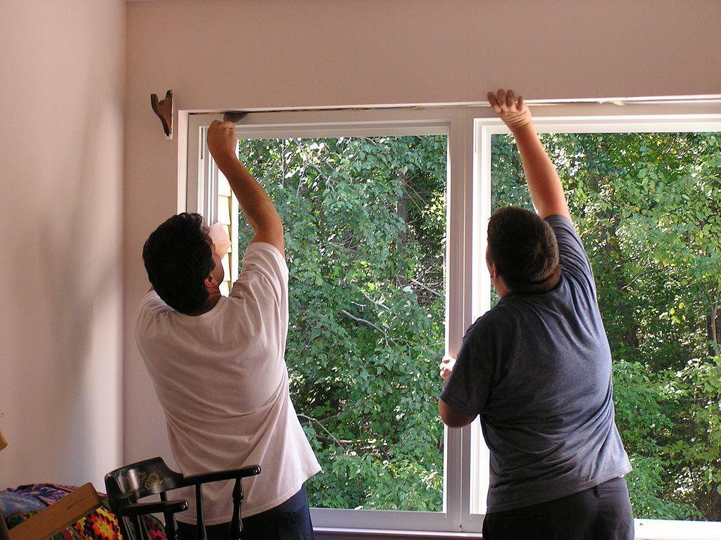 Pose-de-fenêtre-immobilier-travaux